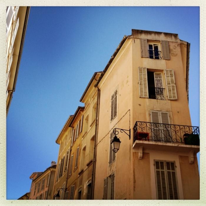 Ein schönes Haus in der Provence. Lebt hier Gott in Frankreich?