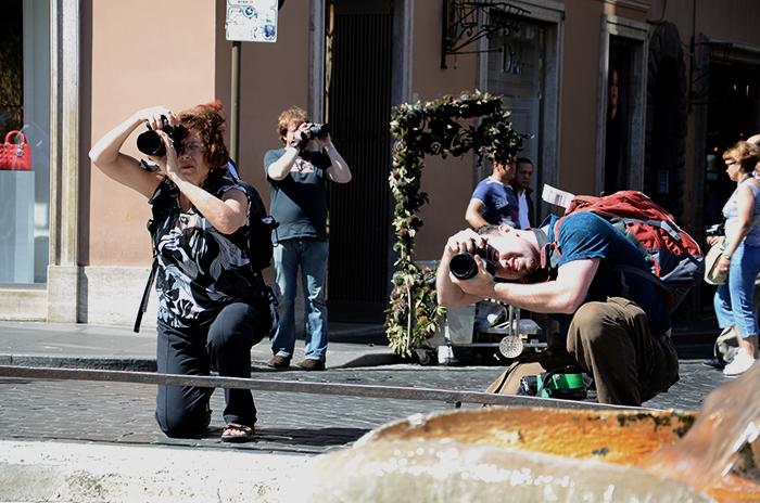 Touristen fotografieren Sehenswürdigkeiten