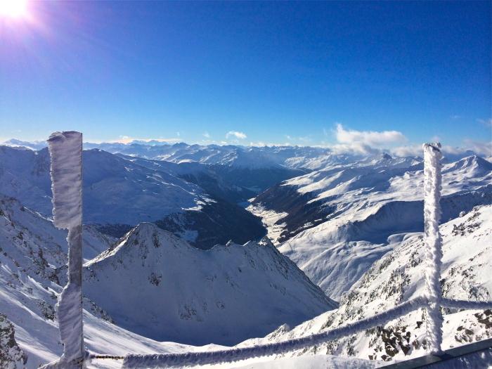 Auf den Tiroler Gletscher ist oft vieles vereist, so wie hier