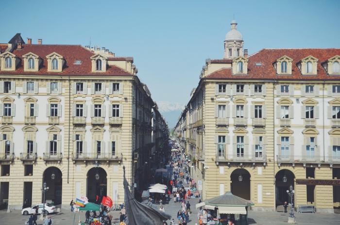 Eine Einkaufsstraße in Turin