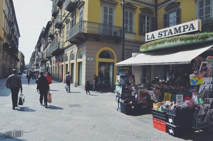 Ein Zeitungskiosk in Turin