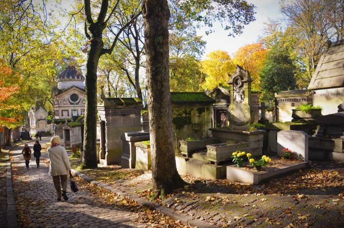 A street in Pere Lachaise Cemetery
