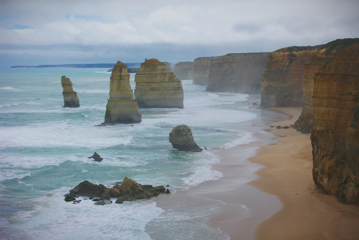 The 12 Apostels are good reasons to visit Australia