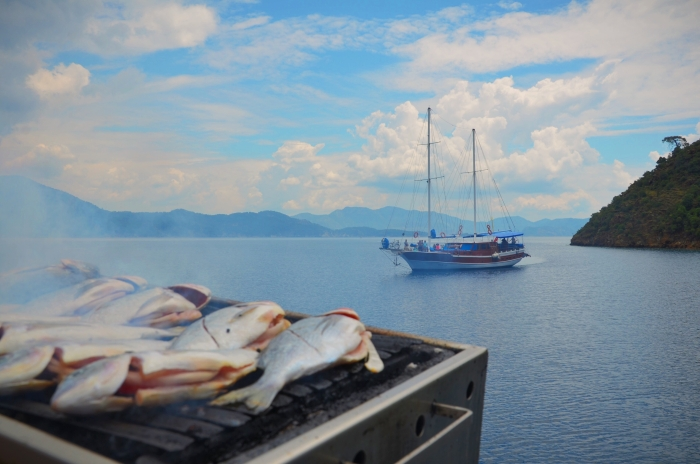 Grilled fish at the Turkish Aegean