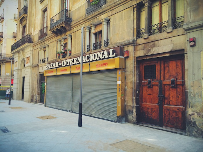 The entry of one of the Barcelona Champagne Bar Xampanyeria