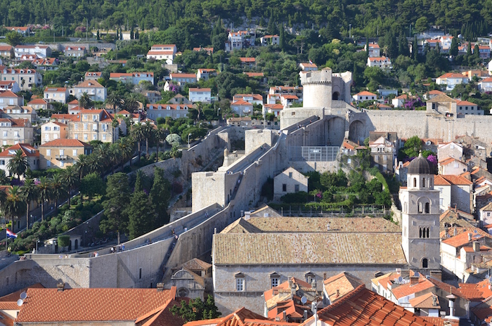 Walls_of_Dubrovnik_Walkway