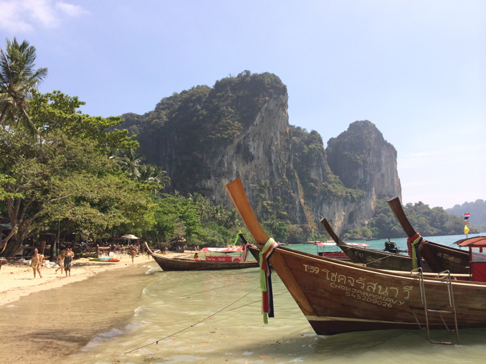 The most anekdotique beach in Thailand, Tonsai beach