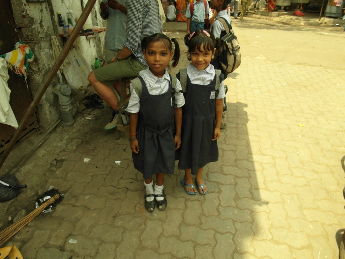 Slums_in_Mumbai_Schulkinder