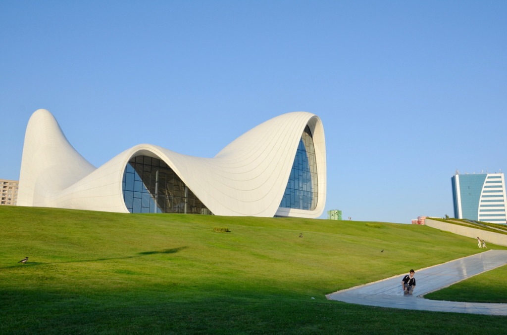 azerbaijan travel Heydar Aliyev Center