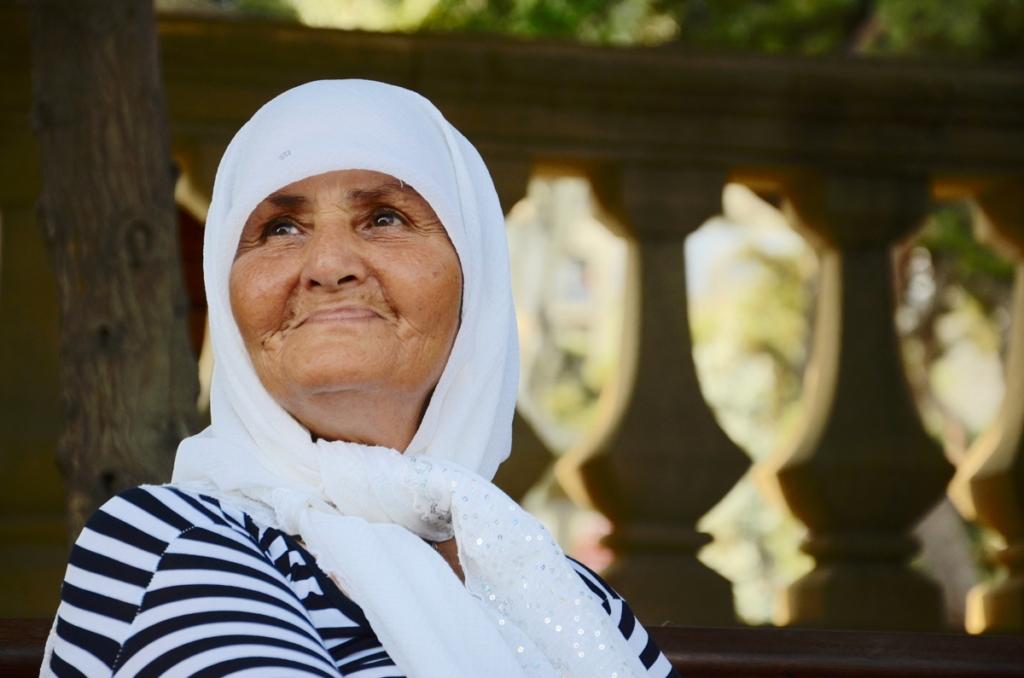 azerbaijan travel fortune teller lady