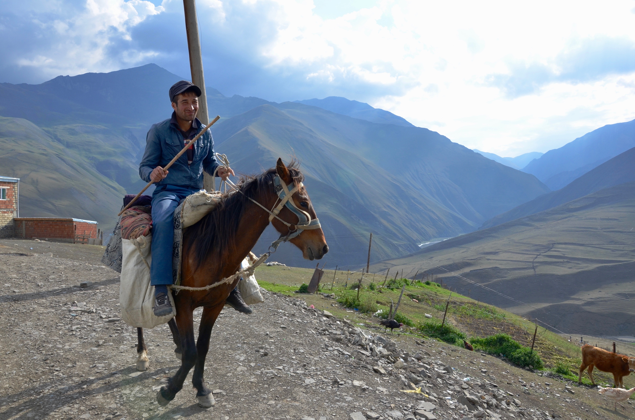 azerbaijan travel Xinaliq horse rider