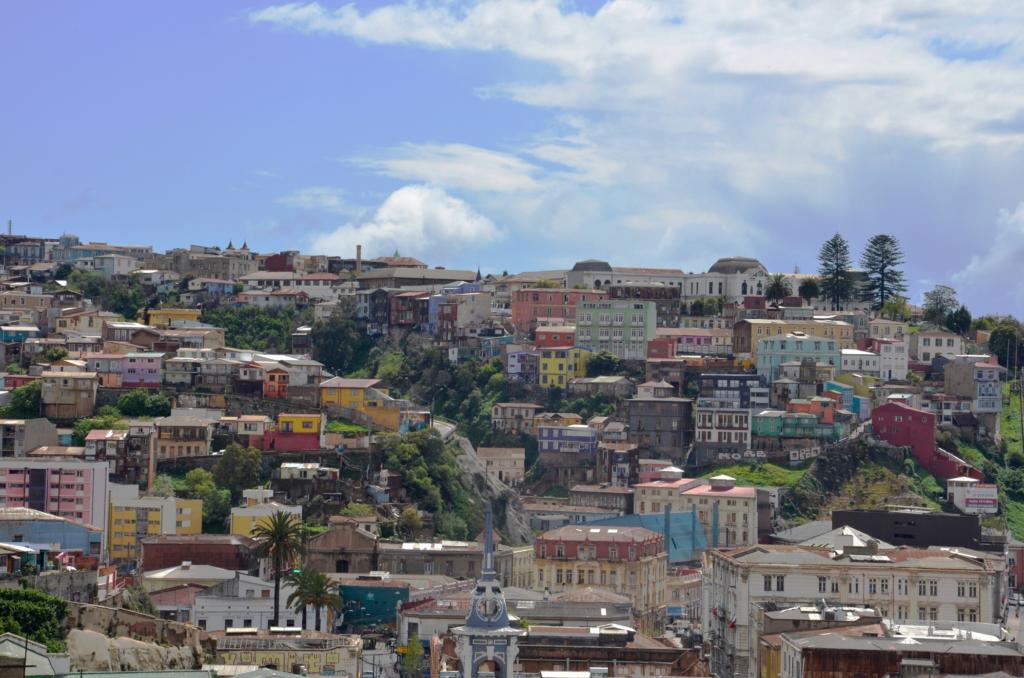 Sehenswürdigkeiten Chile wie die Stadt Valparaiso