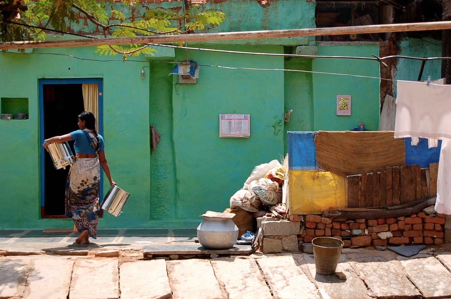 11 Things You Didn't Know About India like housing and prisons
